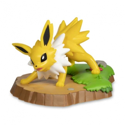 Pokemon center An Afternoon with Eevee & Friends: Jolteon Figure by Funko
