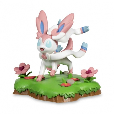 Pokemon center An Afternoon with Eevee & Friends: Sylveon Figure by Funko